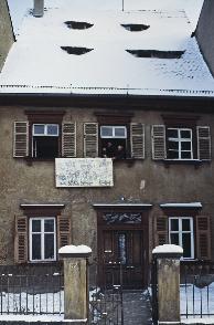 Vom Abriss bedroht: Das Haus Schillerplatz 9, nach Sanierung nun unser Vereinsheim. (Foto: Dr. Victor Harth)